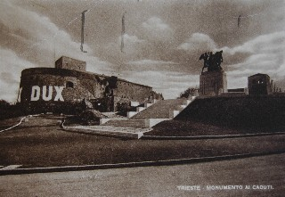 Dux-Monument%20Slg%20Dux